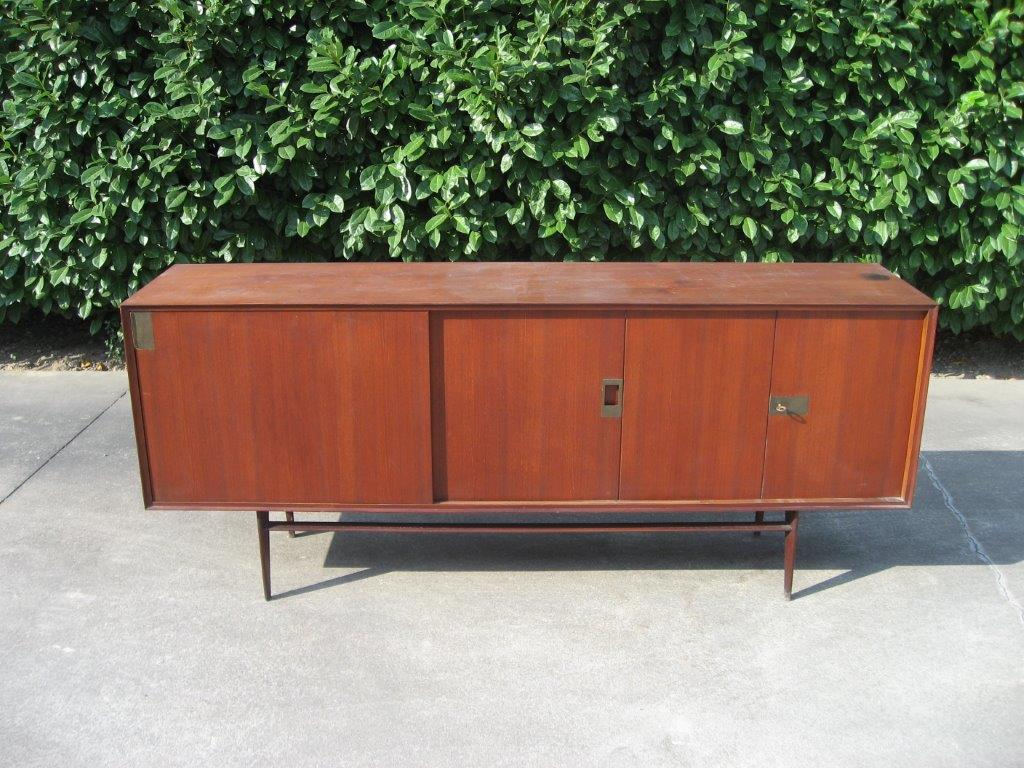 Credenza danese anni 60 blitz bovisa milano vendita for Mobili anni 60